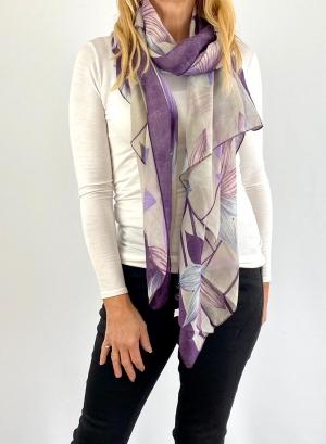 Purple and white scrafe