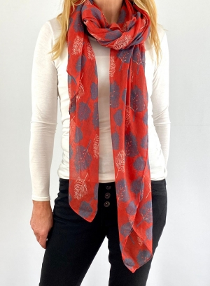 Red & blue scarfe