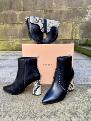 Menbur Black Faux Leather Boots