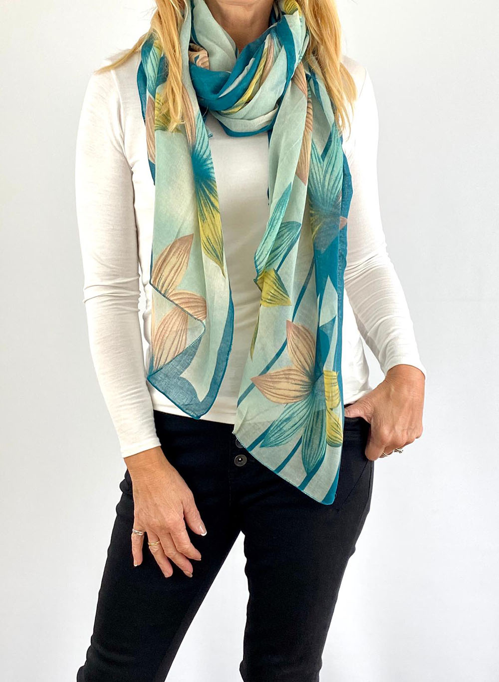 white and light blue scarfe Main