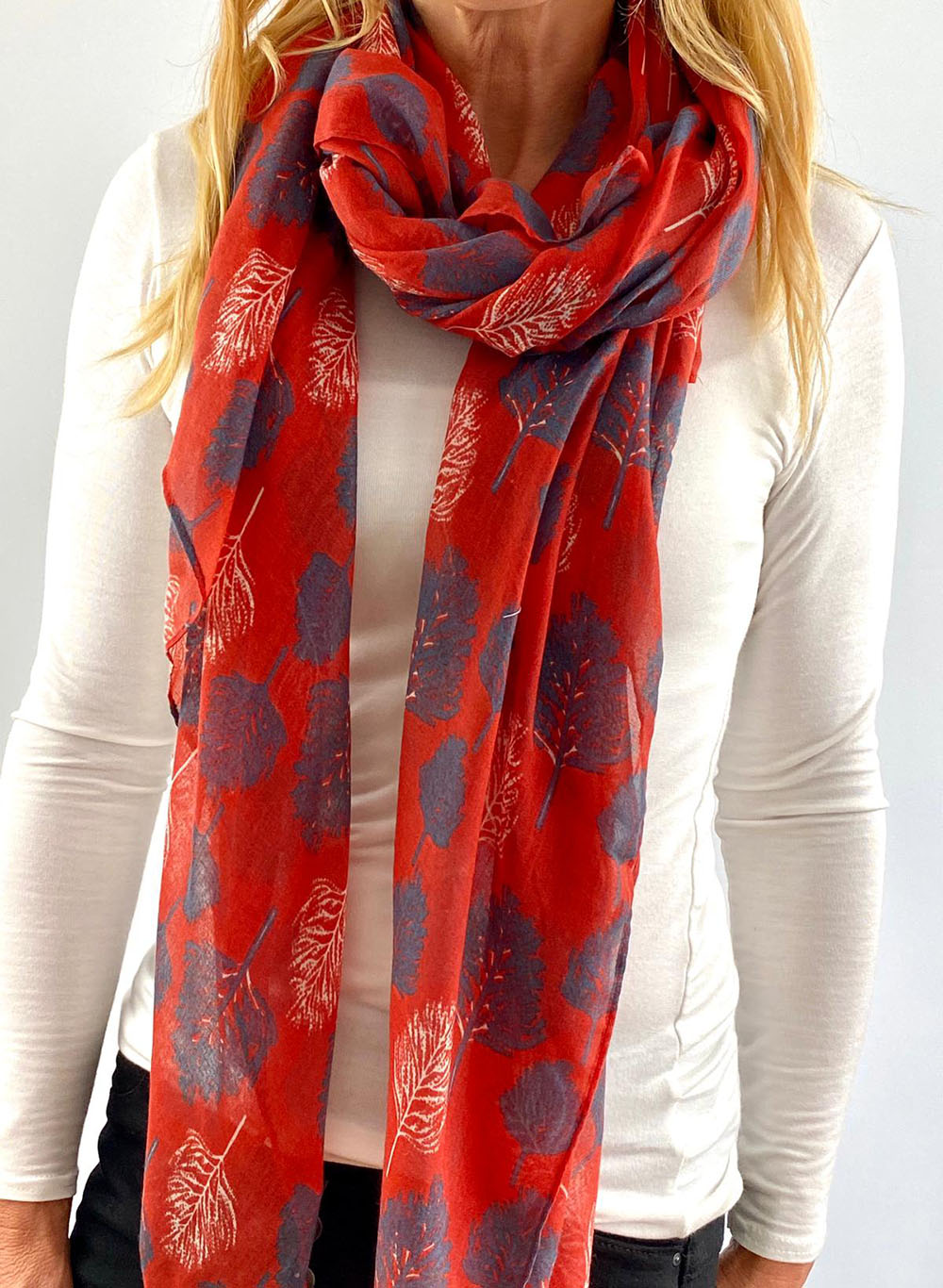 Red & blue scarfe Main
