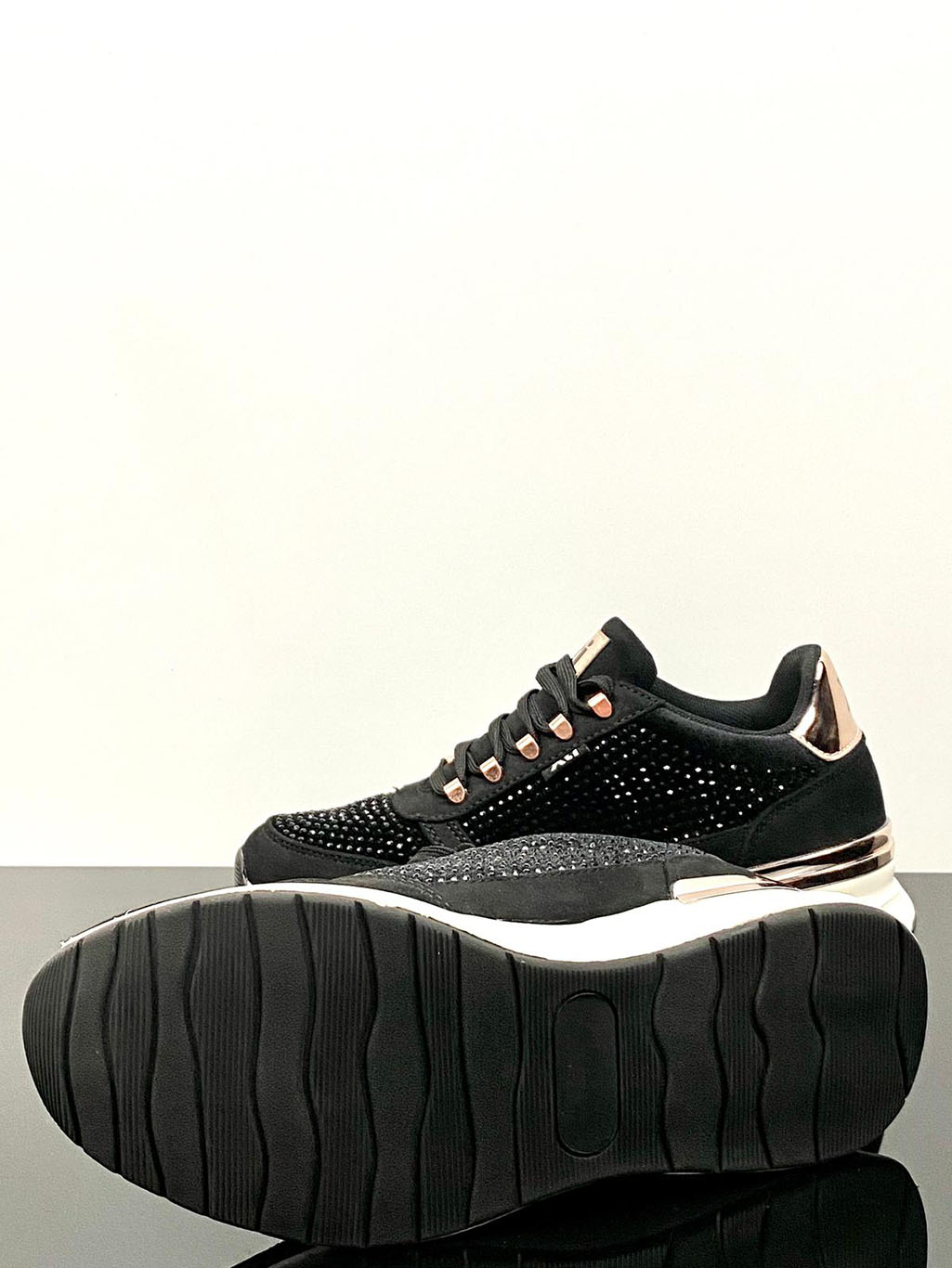 XTI Black Shimmer Amy Trainers Main